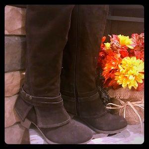 Crown Vintage Suede Brown Boots